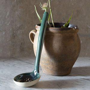 Louche de service et vase en grès naturel de la Manufacture de Digoin