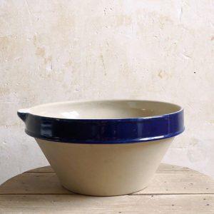 Terrine à bec de la Manufacture de Digoin en grès naturel et de couleur bleu indigo