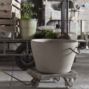 Grand pot de fleurs pour extérieur ou intérieur d'un capacité de 80L en grès naturel de la Manufacture de Digoin