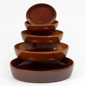 Plat sabot brun tradition fabriqué par la Manufacture de Digoin, idéal pour toutes préparations culinaires