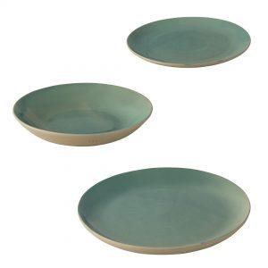 Service d'assiette haut de gamme en grès naturel couleur bleu céladon, des assiettes unique fabriqué par la Manufacture de Digoin