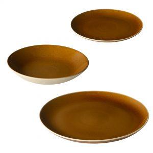 Nouveauté 2021, les assiettes de la Manufacture de Digoin remis au goût du jour par Corinne Jourdain et toute sont équipe. Les assiettes couleurs miel au design chaleureux et convivial