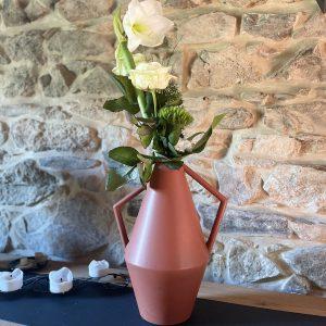 Vase pour fleur coupé en céramique de Charolles, vase couleur tomette